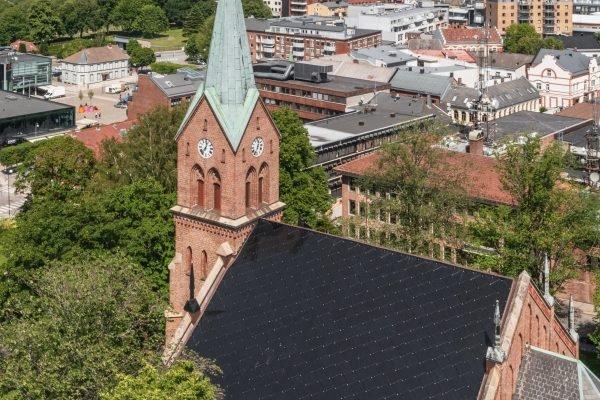 Tuiles solaires SunStyle Église néogothique